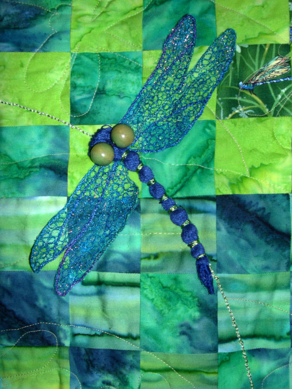Dragonfly Dance quilt detail